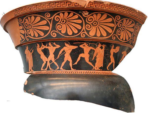 Спортивным снарядом копьё стало в Древней Греции