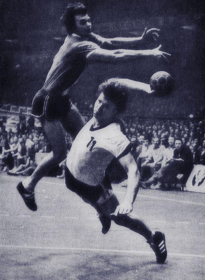 Гандбол и акробатика